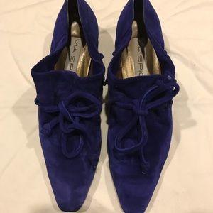 Via Spiga purple ultraviolet lace up oxford pumps