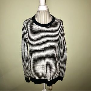 Black/white color block sweater size:med