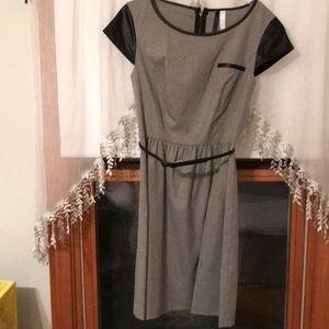 Kensie xs grey dress with pleather black sleeves