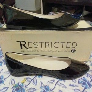 New in box patent leather flats