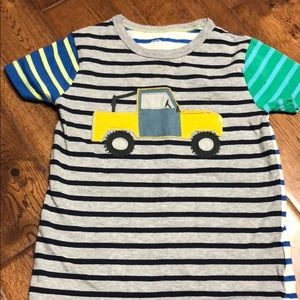 Mini boden boys jeep truck shirt EUC size 4-5