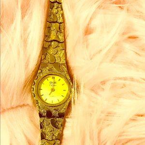 10k yellow Gold nugget women Geneve classic watch