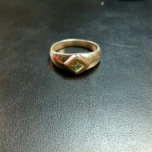 Sterling Silver Peridot Ring SZ 7.5