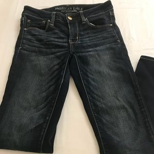 American eagle skinny super stretch size 2 jeans
