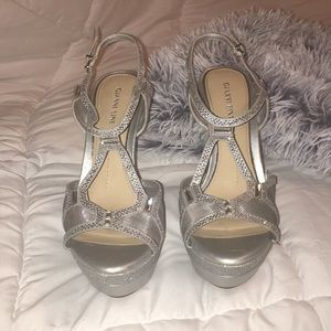 silver gianni bini open toe heel, size 8.5