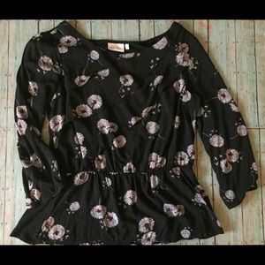 Deletta dandelion wish shirt M