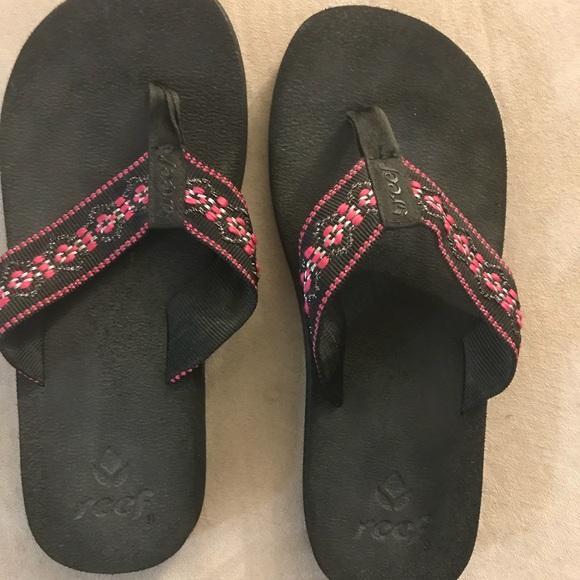 "634c8ae90591 Reef Shoes - Reef ""Sandy"" Sandals-Used but in good condition"