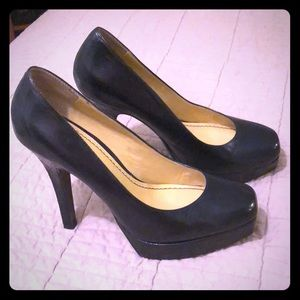 Nine West black heels with small platform