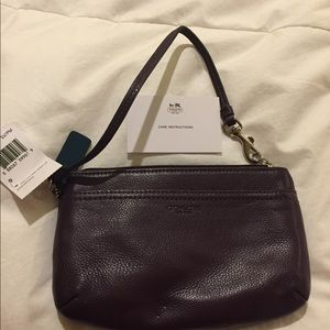 NWT Gen Coach F51683 Prk Leather Med Wristlet plum