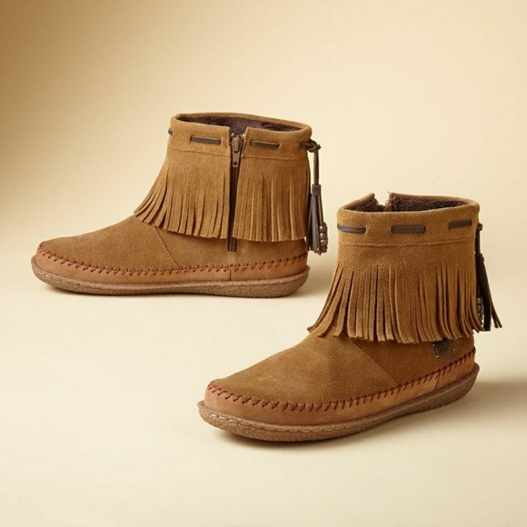 ❄SALE❄Woolrich Suede Fringe Moccasin Booties
