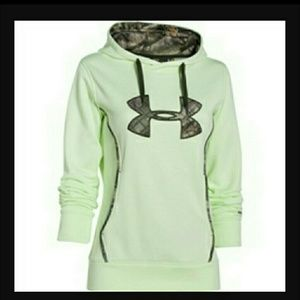 Women under armour storm caliber hoodie. NWT