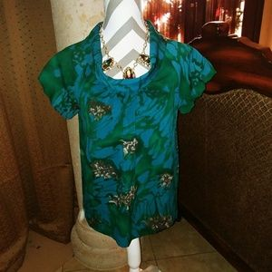 Beautiful!! Apostrophe women's top size small