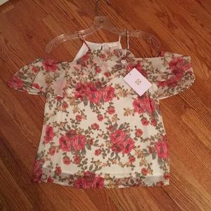 WAYF floral top size XS. NWT.