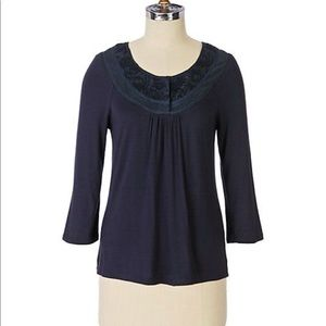Anthropologie Sz M Blind Embossing Scoopneck EUC