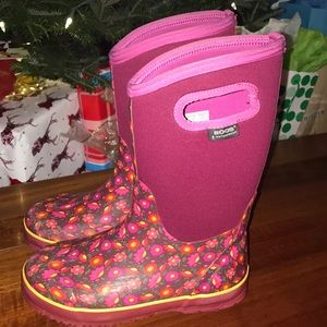 Tall pink print BOGS boots size 4.