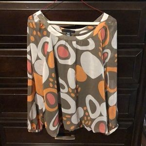 Very cute size large graphic print top