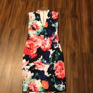 Cute and comfy fitted floral dress!