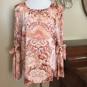 NWT Lauren Conrad Size XL Bell Sleeve Blouse Top