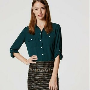 LOFT Green double pocket utility blouse