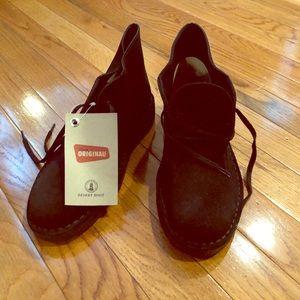 Clark's black suede desert boot. NWT