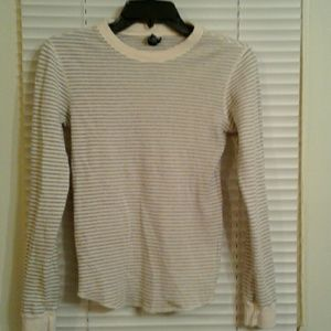 🎄GAP Cream Gray Striped Thermal Tee🎄