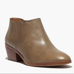 Madewell Spencer Chelsea Booties Size 8.5