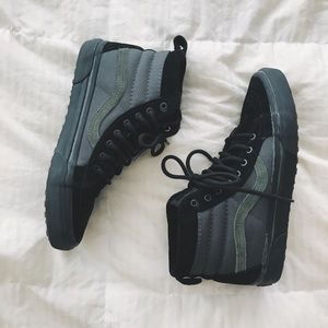 vans hi mte green/black 8.5