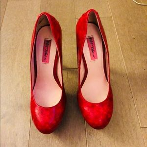 Hot Betsy's Johnson red pumps