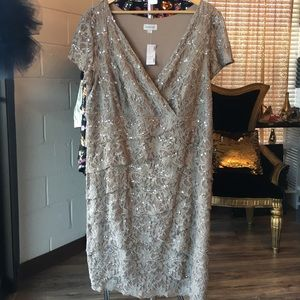 Avenue size 22 taupe tiered lace dress w/ sequins