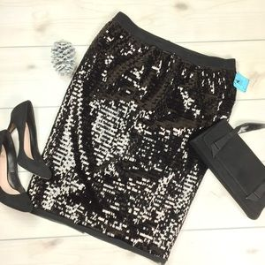 NWT Who What Wear Black Sequin Pencil Skirt!