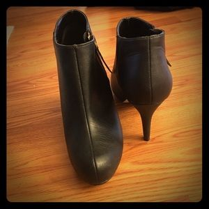 Steven Madden black leather booties