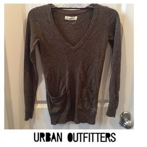 Urban Outfitters Staring @ Stars Brown Knit VNeck
