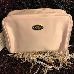 🌟NEW🌟 Coach Baby Pink Makeup Bag