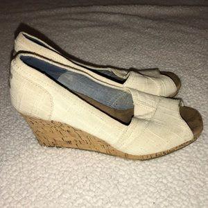 Toms Peep Toe Wedge Size 8.5 beige cork
