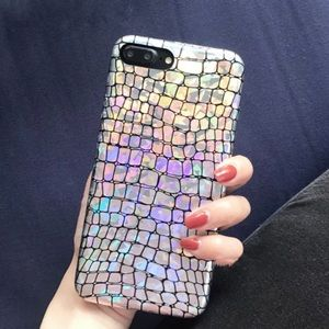 Accessories - Holographic scales iPhone 7 case