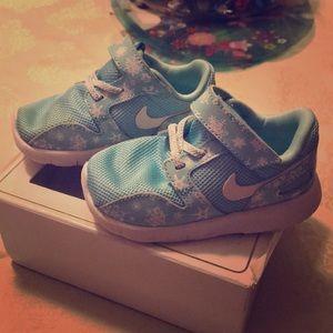 Blue toddler Nike's
