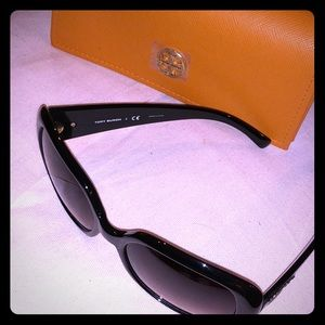 100% Authentic Tory Burch sunglasses! Barely used!