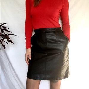 Vintage authentic Leather skirt; with pockets!
