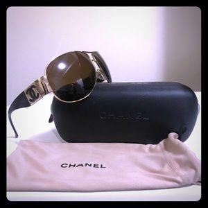 CHANEL CC Polarized Gold Brown Aviator Sunglasses