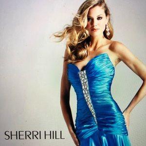 NEW!! SHERRI HILL TURQUOISE EMBELLISHED SIZE 14