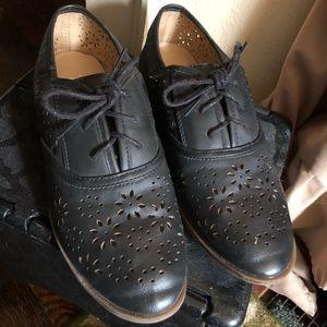 Black dress shoe 8