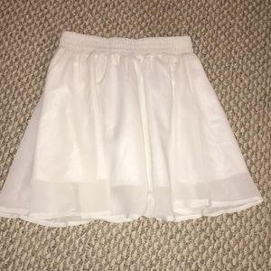 Dresses & Skirts - White flowy skirt