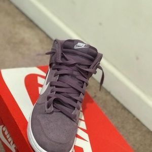 Nike Jumps size 10