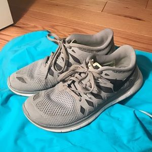 Youth Nike Free 5.0 Sneakers