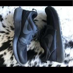 Nike hyperfuse running shoes