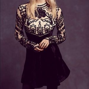 Free People Ginger Meadow Velvet Dress Size 2 -NWT