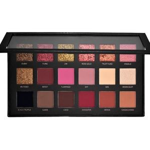 HUDA Beauty palette 🎭🎭