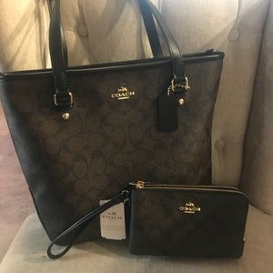 Coach purse with wallet set! 👜