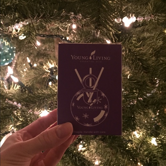 Young Living Christmas Tree.Oil Diffusing Christmas Tree Ornament Nwt