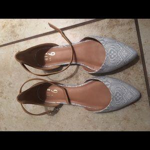 Point toe flats